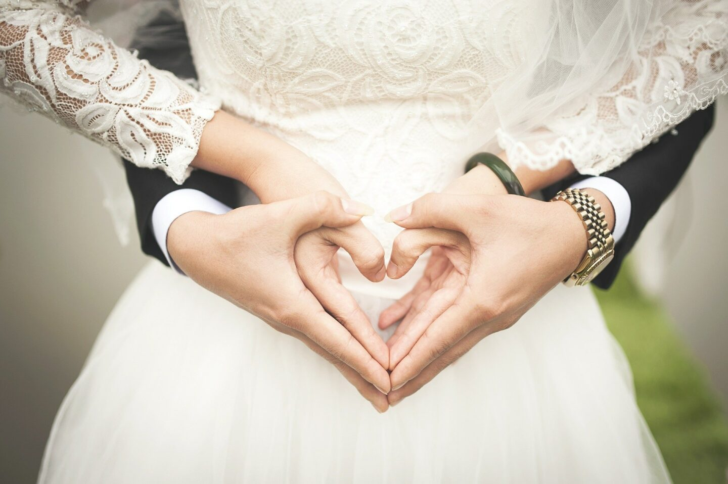 Cut Costs on the Wedding of Your Dreams| Wedding